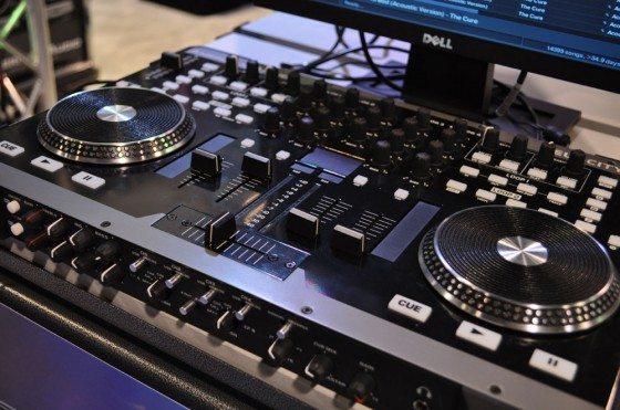 American Audio VMS4 American-dj-560x371